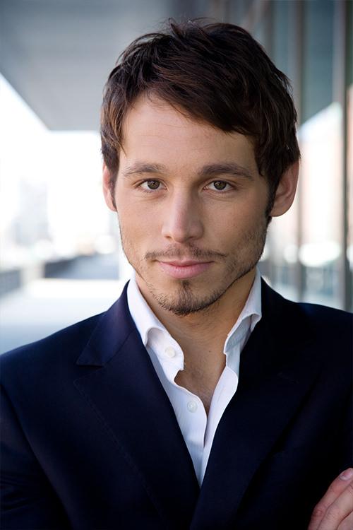 Danijel Peric - Schauspieler - Business Man Portrait