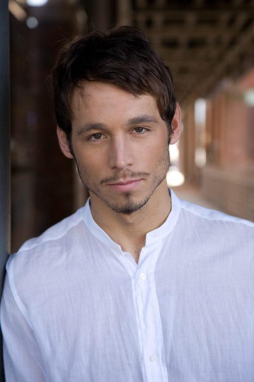 Danijel Peric - Schauspieler - Indisch Hemd - Portrait