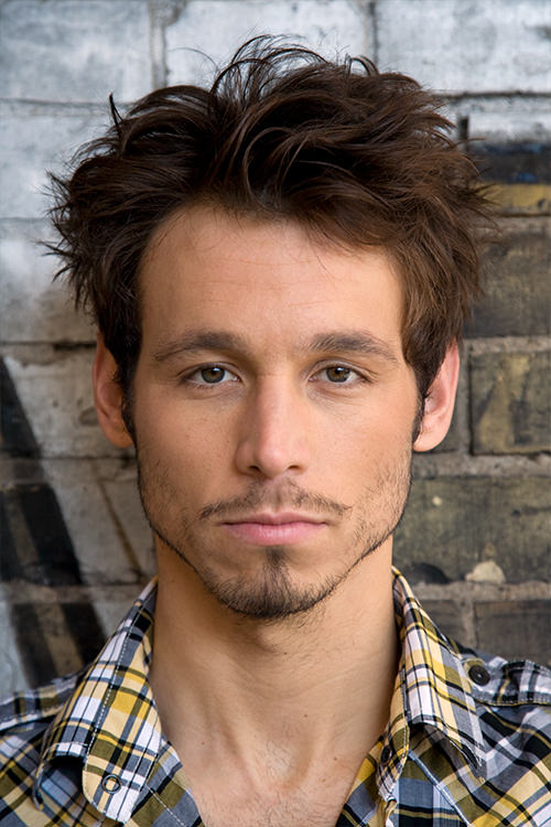 Danijel Peric - Schauspieler - Legere Hemd - Portrait